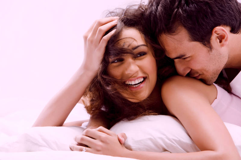 3 Steps to Make a Girl Laugh (And Why It Makes Getting Her In Bed So Easy)
