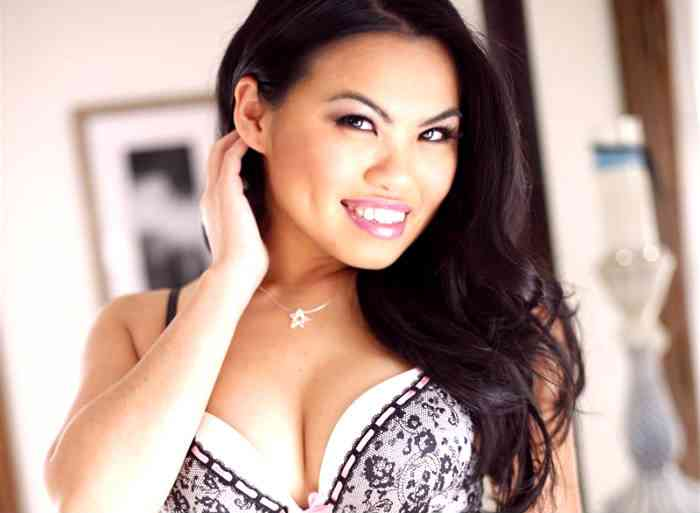 "Pornstar Cindy Starfall: ""Swinging, Sex Clubs & Open Relationships 101"""