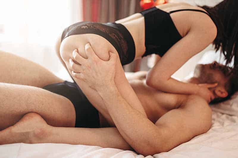 10 Sex Moves That Get Her Sexually Addicted To You
