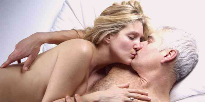 Older Guy? How to Get Hot Younger Women Attracted To You