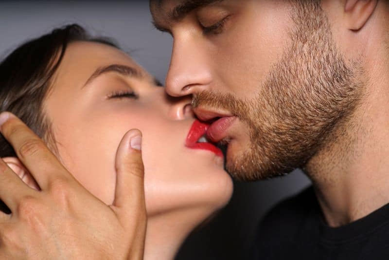 10 Foreplay Tips That Will Make Her Climax BEFORE Sex